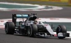 Hamiltons uzvar Meksikā; cīņa starp Fetelu un Verstapenu noslēdzas pēc finiša
