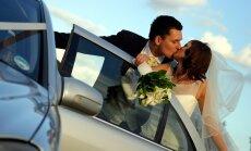 Noslēgto laulību skaits pieaug; ģimenes šķiras retāk