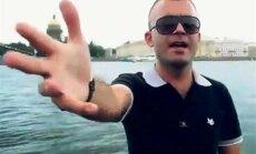 Tadžiku dziedātājs velta dziesmu Putinam dzimšanas dienā
