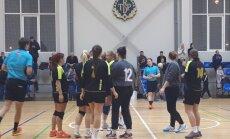 Stopiņu NHK handbolistes sīvā mačā izcīna LHF prezidenta kausu