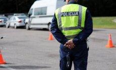 Autobraucējs sašutis par ceļu policista bravūrību