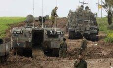 Foto: Izraēla palestīniešu radītā sprādziena dēļ raida triecienus Gazas joslai