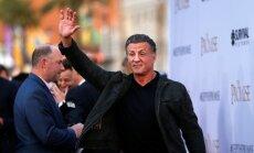 Stallone ierauts seksuālās vardarbības skandālā; aktieris apsūdzību noraida
