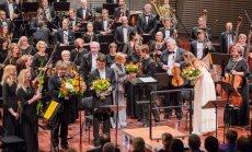 Foto: Ar stāvovācijām atklāta Liepājas Simfoniskā orķestra 137. koncertu sezona