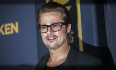 СМИ: Брэд Питт опечален разводом и зол на Анджелину Джоли