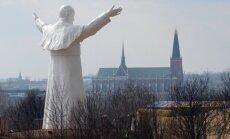Vatikānā apstiprināts otrais Jāņa Pāvila II brīnums