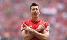 'Chelsea' un Mančestras 'United' lūko iegūt rezultatīvo Levandovski