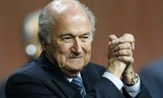 Pasaules kauss futbolā: Blaters pieņem Putina uzaicinājumu