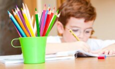 Pareizs emocionāls atbalsts mazajiem skolēniem: idejas vecākiem
