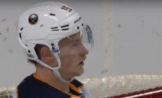 Video: 'Sabres' līderis Eikels iemet ripu savos vārtos