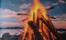 Sestdien gar visu Baltijas jūras piekrasti iedegsies ugunskuri. Kur tie degs Latvijā?