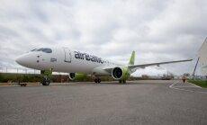 Pārāk smagas lidmašīnas dēļ 'airBaltic' Rīgas lidostā atstāj pasažieru bagāžu