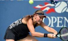 Ostapenko debija 'French Open' pamatturnīrā noslēdzas jau pirmajā kārtā