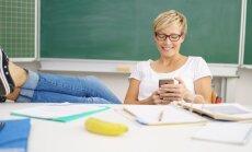Priekšrocības un trūkumi skolotāja digitālai saziņai ar skolēnu