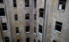 Возможно, владельцев развалин на ул. Марияс в сентябре оштрафуют на 10 000 евро