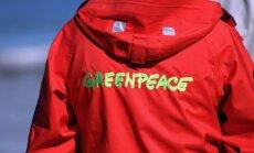 Krievija izbeidz krimināllietas pret trim 'Greenpeace' aktīvistiem