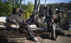 Separātisti sagūstītos novērotājus sauc par 'NATO spiegiem' un negrasās atbrīvot