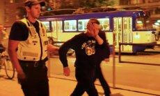Jauniešiem par rāpšanos Gaismas pilī draud sods līdz 500 eiro