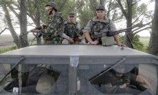 Lietuva nodrošinās ukraiņu karavīrus ar ķiverēm, bruņu vestēm un vairogiem