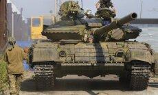 Austrumukrainā atrodas 12 000 Krievijas karavīru, paziņo vēstnieks