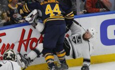 Buffalo Sabres Nicolas Deslauriers vs Los Angeles Kings Jake Muzzin