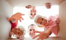 10 noteikumi, kā kļūt par laimīgiem vecākiem