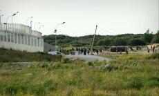 Latvijas kravu pārvadātājiem Francijā uzbrūk bruņoti imigranti