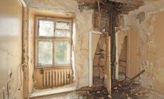 Drazas, nekārtība un cauri griesti – foto ieskats vienā no ebrejiem atdotajām mājām
