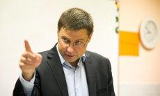 Dombrovskis aicina nepārsteigties saistībā ar viņa pieminēšanu ES Padomes prezidenta amatam