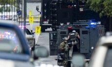 Apšaudē ASV Kara flotes ēkā 13 nogalināti; vienu uzbrucēju vēl meklē (plkst. 23:59)