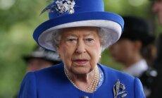 Lielbritānijā noskaņojums ir ļoti drūms, saka Elizabete II
