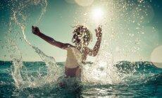 Вода на пляжах в Юрмале прогрелась до +23 градусов