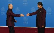 Laikraksts: Ķīna finansē Putina agresiju; Ukrainu var izglābt 'bez neviena šāviena'