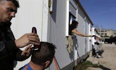 Vācija aizvien lielākam migrantu skaitam uz robežas liek griezties atpakaļ