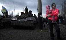 Separātisti atņem Ukrainas armijai tehniku; Doņeckā ieradīsies Janukovičs (teksta tiešraides arhīvs)