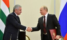 Krievija paraksta pretrunīgi vērtēto partnerattiecību līgumu ar Abhāziju