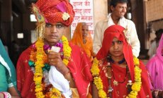 Nepilngadīgās indiešu sievas tagad drīkstēs apsūdzēt savus vīrus izvarošanā
