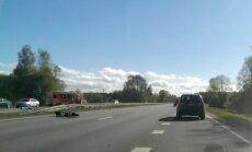 Avārijā uz Jelgavas šosejas divi bojāgājušie; satiksme atjaunota