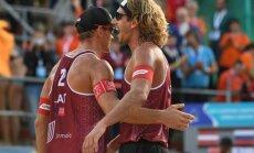Latvijas vadošais pludmales volejbola pāris Samoilovs un Šmēdiņš turpinās spēlēt kopā