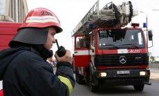 Daugavpilī paaugstinātas bīstamības ugunsgrēks; Olainē iet bojā cilvēks