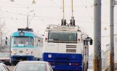 Rīgā trešdienas rītā izveidojušies ievērojami sastrēgumi