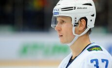 Latviešu 'admirālis' Vladivostokas KHL 'flotē'. Hokeja aizsargs Oskars Bārtulis