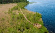 Skrējējiem, pastaigu mīļotājiem un peldētājiem: atpūtas vietas pie noslēpumainā Būšnieku ezera