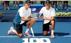 Dvīņubrāļi Braieni triumfē ASV atklātajā čempionātā, iegūstot simto titulu