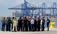 Spānija Vidusjūrā izglābusi 933 migrantus un gaida kuģi 'Aquarius' ar vēl 630 cilvēkiem