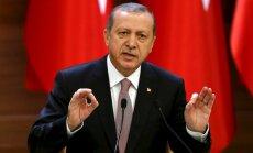 Erdogans noraida Krievijas paziņojumus par naftas iegādi no 'Daesh'