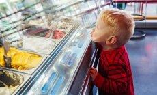 Kad nav naudas: ko teikt bērnam, ja nevari nopirkt viņam vajadzīgo lietu