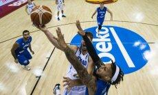 Itālijas basketbolisti vien pēdējās spēles minūtēs uzveic turnīra debitanti Islandi