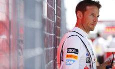 'McLaren' F-1 komanda negrasās mainīt pilotu sastāvu