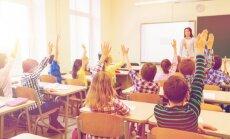 """Собирают подписи """"за искоренение билингвального образования"""" в государственных школах"""